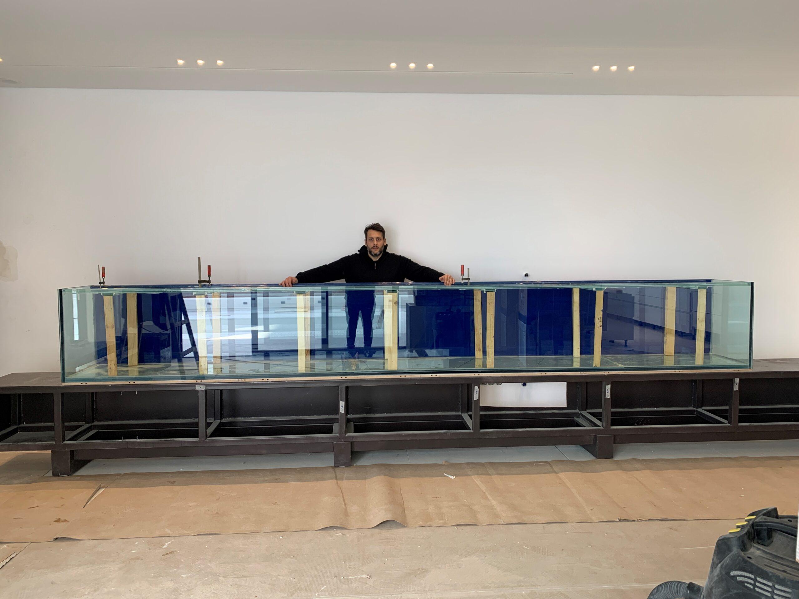 Κατασκευή ενυδρείου σε σαλόνι σπιτιού 5 μέτρα 1