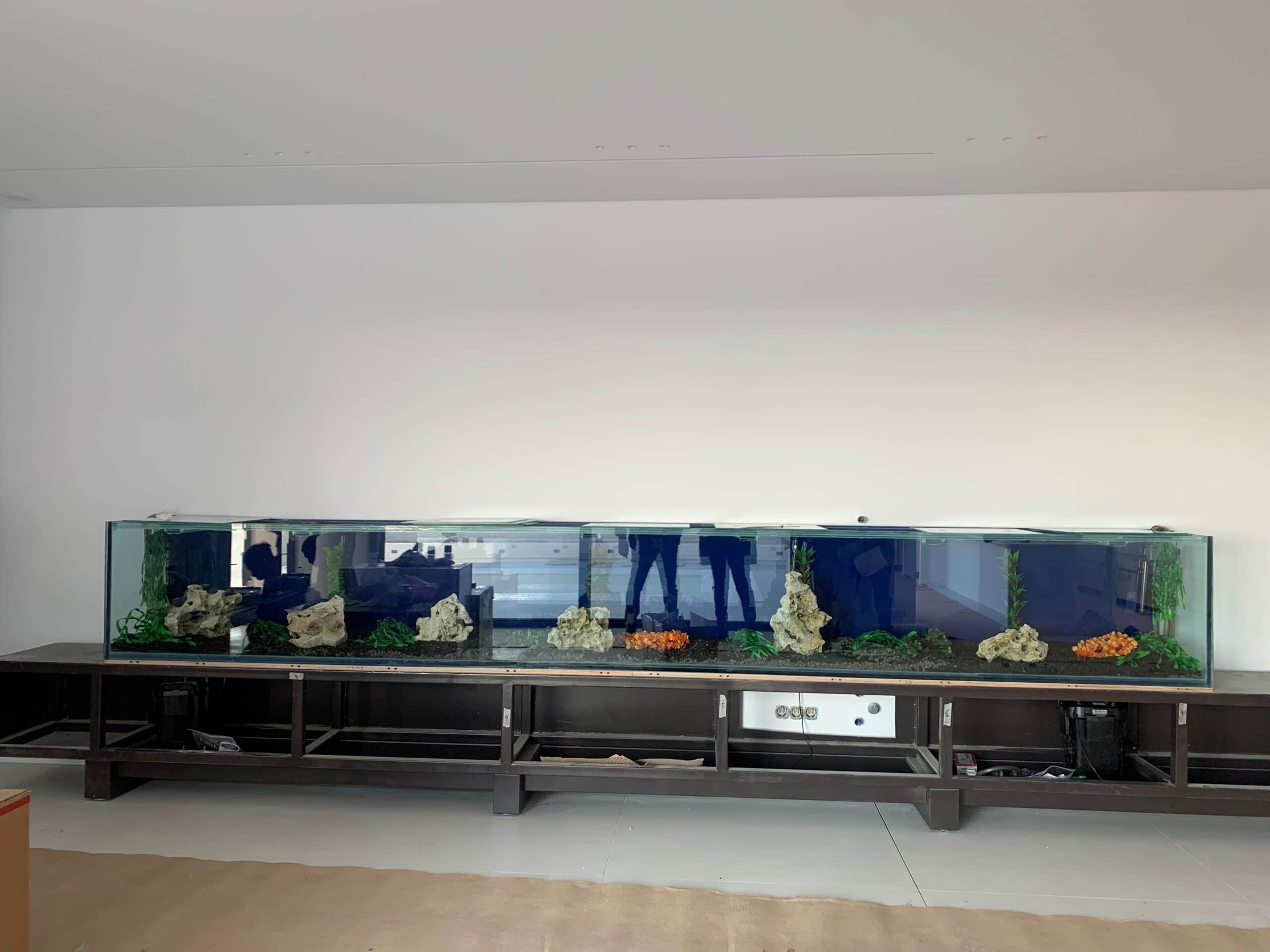 κατασΚατασκευή ενυδρείου σε σαλόνι σπιτιού 5 μέτρα 3